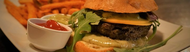 Ravintola Ilves ja Black Angus Burger