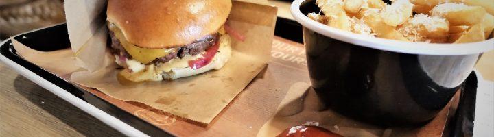 Sosiaaliburgerin maailmanvalloitus on ihan perseestä